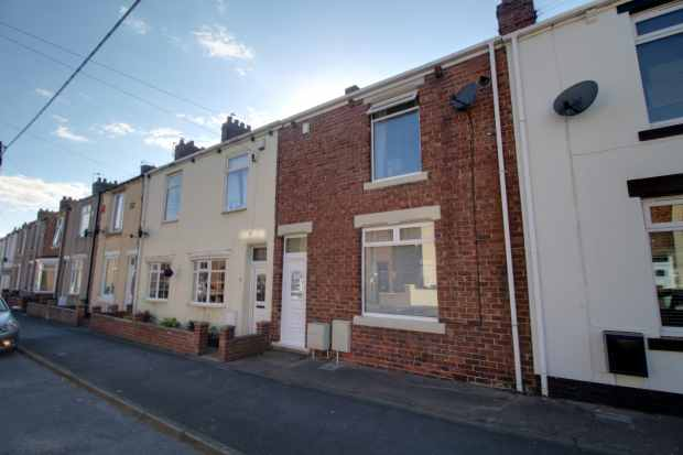 3 Bedrooms Terraced House for sale in Gladstone Terrace, Durham, DH6 4EG