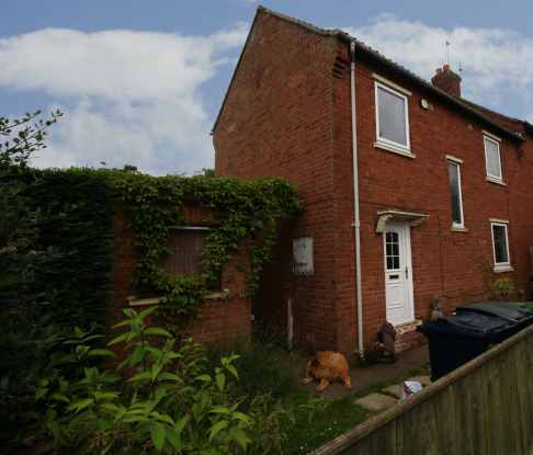 2 Bedrooms Semi Detached House for sale in Kingsway, Newcastle Upon Tyne, Tyne And Wear, NE16 5NW