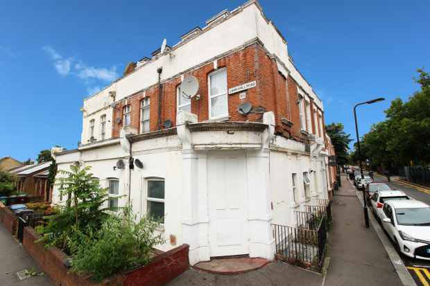 1 Bedroom Flat for sale in Cann Hall Road, Leytonstone, London The Metropolis[8], E11 3NF