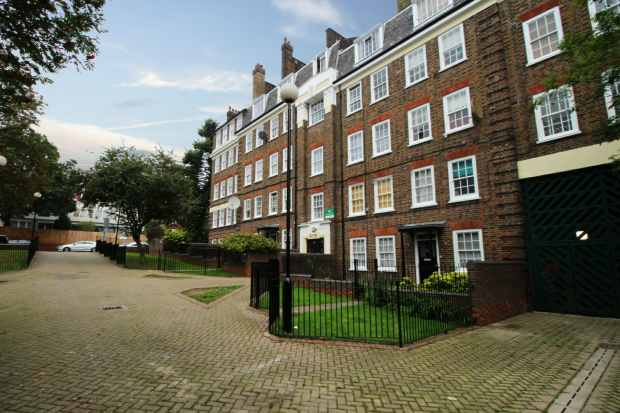 1 Bedroom Apartment Flat for sale in Leyden Mansions, Upper Holloway, Greater London, N19 3AP