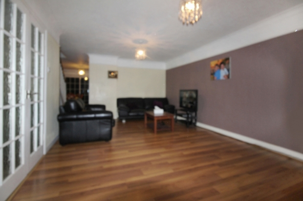 4 Bedrooms Detached House for sale in Kendal Gardens, Sutton, Greater London, SM1 3LL