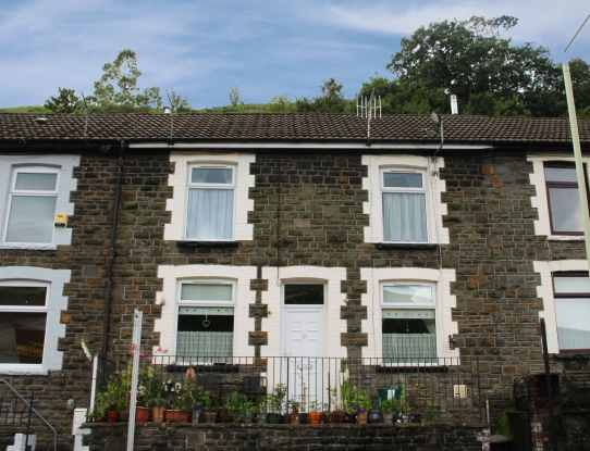 3 Bedrooms Terraced House for sale in Oakland Terrace, Ferndale, Mid Glamorgan, CF43 4UD