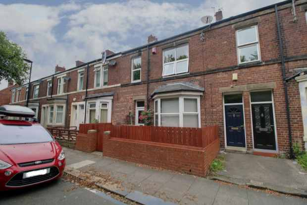 3 Bedrooms Terraced House for sale in Holly Avenue, Wallsend, Northumberland, NE28 6PB