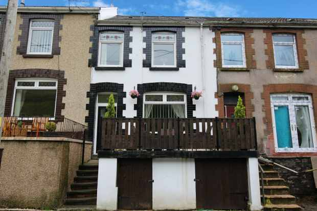 3 Bedrooms Terraced House for sale in Norton Terrace, Port Talbot, West Glamorgan, SA13 3AN