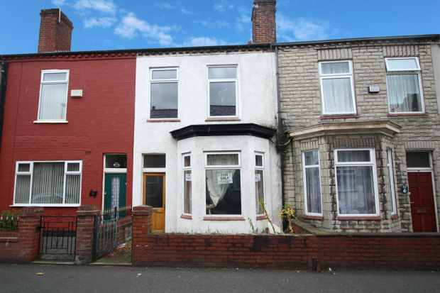 3 Bedrooms Terraced House for sale in Bond Street, Leigh, Lancashire, WN7 1AG