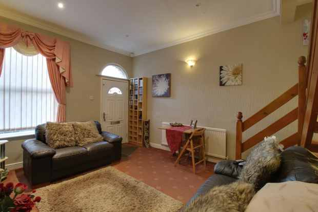 2 Bedrooms Terraced House for sale in Elgin Street, Stalybridge, Cheshire, SK15 2NH