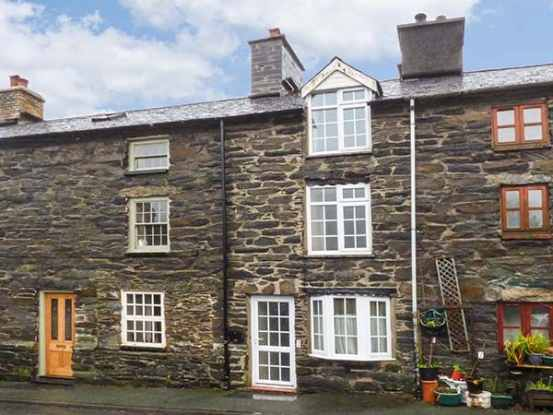 3 Bedrooms Cottage House for sale in Wyle Cop Street, Machynlleth, Gwynedd, SY20 9JD
