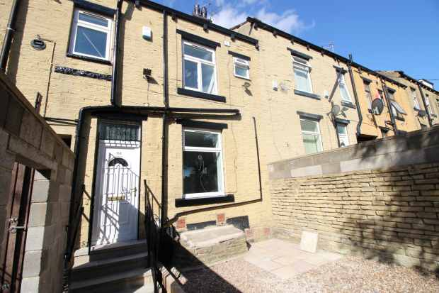 2 Bedrooms Terraced House for sale in Harewood Street, Bradford, West Yorkshire, BD3 9DN