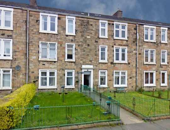 2 Bedrooms Flat for sale in Morton Terrace, Greenock, Renfrewshire, PA15 4SX