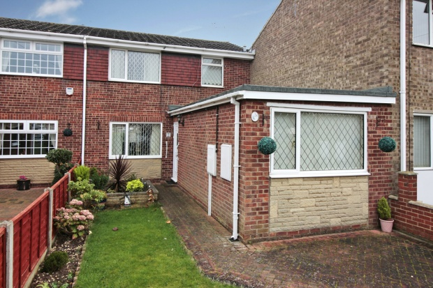 4 Bedrooms Semi Detached House for sale in Hawerby Road, Grimsby, South Humberside, DN37 7BE