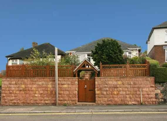 3 Bedrooms Detached Bungalow for sale in Tunstall Road, Stoke-On-Trent, Staffordshire, ST8 6LB
