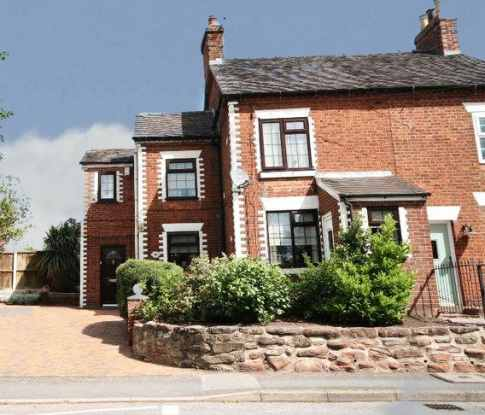 3 Bedrooms Semi Detached House for sale in Shrewsbury Road, Market Drayton, Shropshire, TF9 3DT