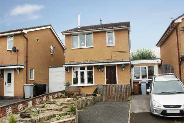 3 Bedrooms Detached House for sale in Hesketh Croft, Crewe, Cheshire, CW1 4RY