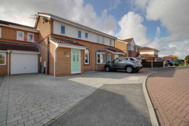 3 Bedrooms Semi Detached House for sale in Anchor Way, Lytham St Annes, Lancashire, FY8 2TG
