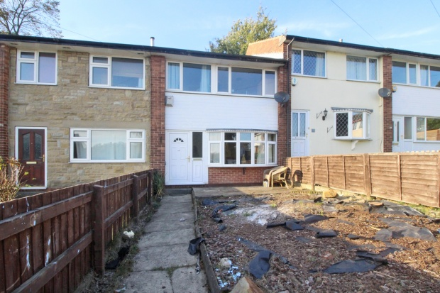 3 Bedrooms Terraced House for sale in Healy Drive, Ossett, West Yorkshire, WF5 8LU