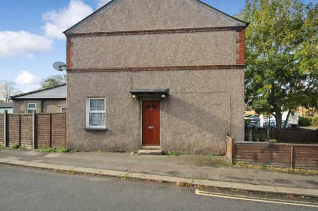 2 Bedrooms Property for sale in Horton Hill, Epsom, Surrey, KT19 8SS