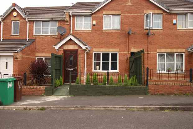 2 Bedrooms Terraced House for sale in Foxham Drive, Manchester, Greater Manchester, M7 4ZP