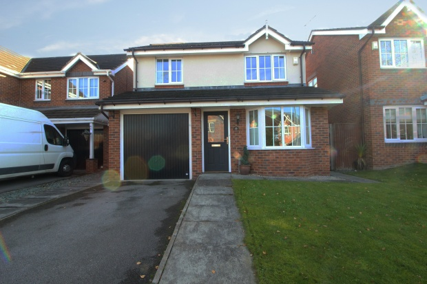 4 Bedrooms Detached House for sale in Parkland View, Barnsley, South Yorkshire, S71 5LG