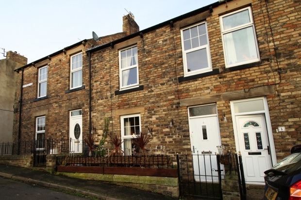 3 Bedrooms Terraced House for sale in West View, Haltwhistle, Northumberland, NE49 9JS