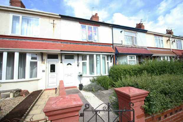 3 Bedrooms Terraced House for sale in Thames Road, Blackpool, Lancashire, FY4 1ED