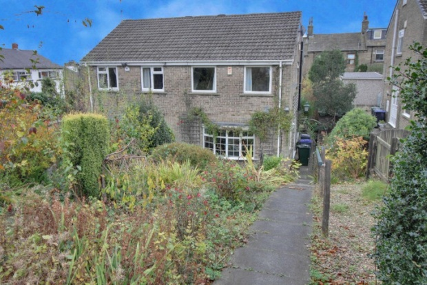 3 Bedrooms Semi Detached House for sale in Marne Avenue, Bradford, West Yorkshire, BD14 6LB