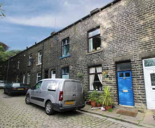 2 Bedrooms Terraced House for sale in Woodbine Terrace, Todmorden, West Yorkshire, OL14 8NL