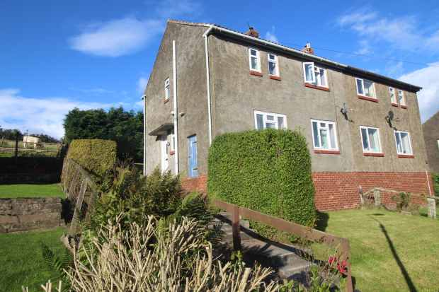 3 Bedrooms Semi Detached House for sale in Newholme Avenue, Haltwhistle, Northumberland, NE49 9ET