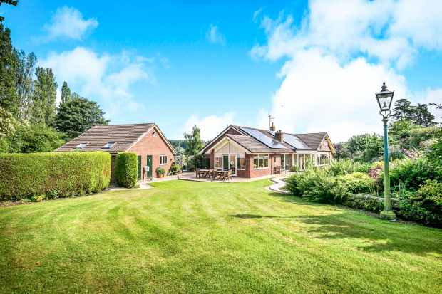 4 Bedrooms Detached Bungalow for sale in Church Meadows, Whitchurch, Shropshire, SY13 1PY