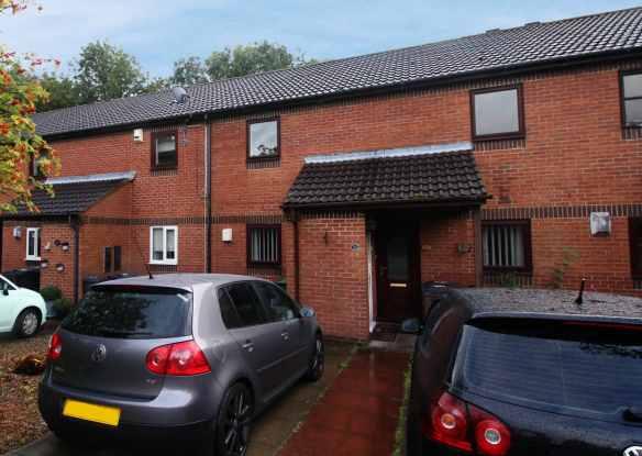 2 Bedrooms Flat for sale in Hazelmoor, Hebburn, Tyne And Wear, NE31 1DH