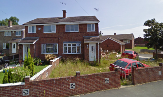 3 Bedrooms Semi Detached House for sale in Clayton View, Pontefract, West Yorkshire, WF9 3RE