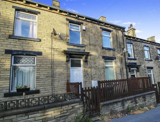 4 Bedrooms Terraced House for sale in Cleckheaton Road, Bradford, West Yorkshire, BD12 7BB