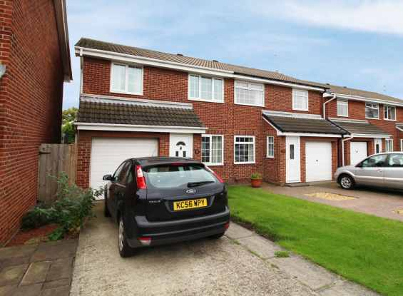 3 Bedrooms Semi Detached House for sale in The Furlongs, Redcar, Durham, TS10 2EB