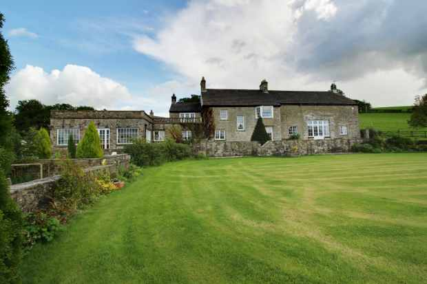 6 Bedrooms Farm House Character Property for sale in Tatham, Lancaster, Lancashire, LA2 8NL