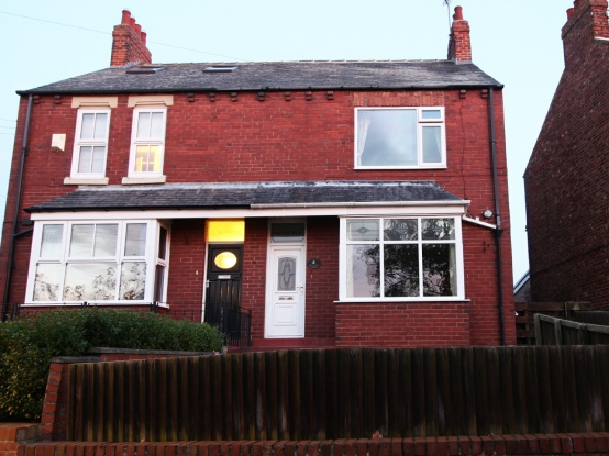 3 Bedrooms Semi Detached House for sale in Spain Hill, Redcar, Cleveland, TS11 7LE