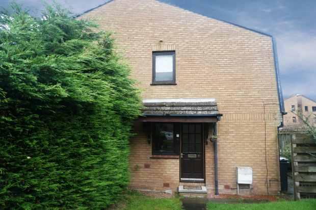 1 Bedroom Property for sale in Buckstone Shaw, Edinburgh, EH10 6XP