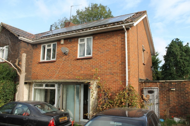 3 Bedrooms Property for sale in Saxon Avenue, Feltham, Greater London, TW13 5LY
