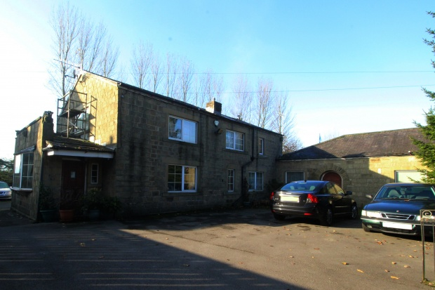 4 Bedrooms Detached House for sale in Skipton Road, Keighley, West Yorkshire, BD20 9BT