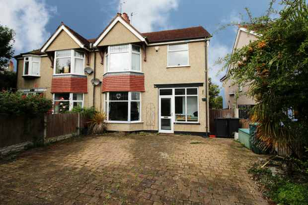 4 Bedrooms Semi Detached House for sale in Merion Gardens, Colwyn Bay, Clwyd, LL29 7PR
