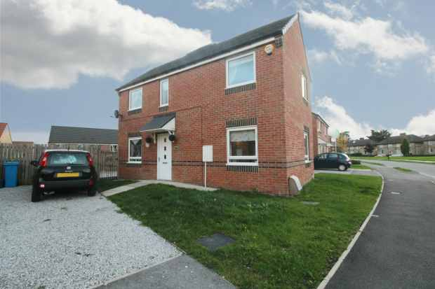 3 Bedrooms Semi Detached House for sale in Remington Road, Sheffield, South Yorkshire, S5 9AB
