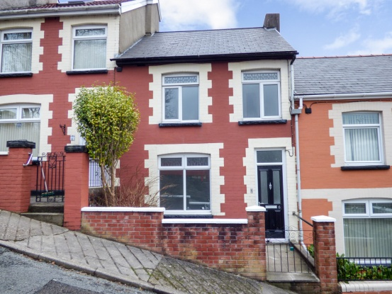 3 Bedrooms Terraced House for sale in Kimberley Road, Abertillery, Gwent, NP13 2PT