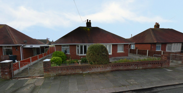 2 Bedrooms Semi Detached Bungalow for sale in Masefield Avenue, Thornton-Cleveleys, Lancashire, FY5 2ES