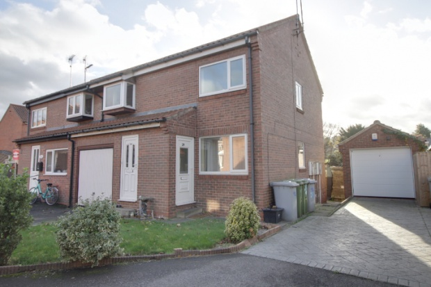 1 Bedroom Flat for sale in Church View, Ollerton, Nottinghamshire, NG22 9BH