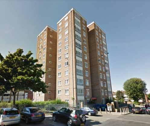 1 Bedroom Flat for sale in Robert Street, Woolwich, Greater London, SE18 7LZ