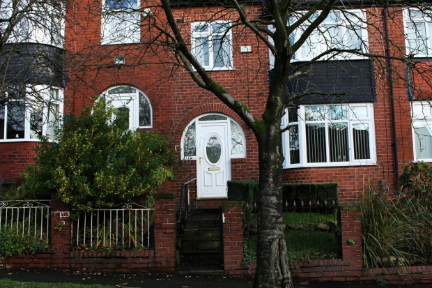 3 Bedrooms Terraced House for sale in Harrow Avenue, Oldham, Lancashire, OL8 4HY