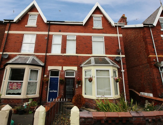 1 Bedroom Flat for sale in St Albans Road, Lytham St Annes, Lancashire, FY8 1TG
