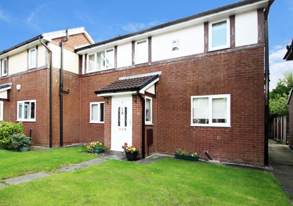 2 Bedrooms Semi Detached House for sale in Fallow Close, Bolton, Lancashire, BL5 3NY