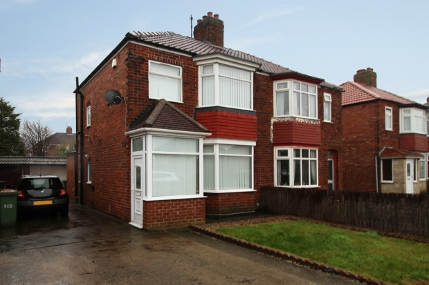 3 Bedrooms Semi Detached House for sale in Broadway East, Redcar, Cleveland, TS10 5DT