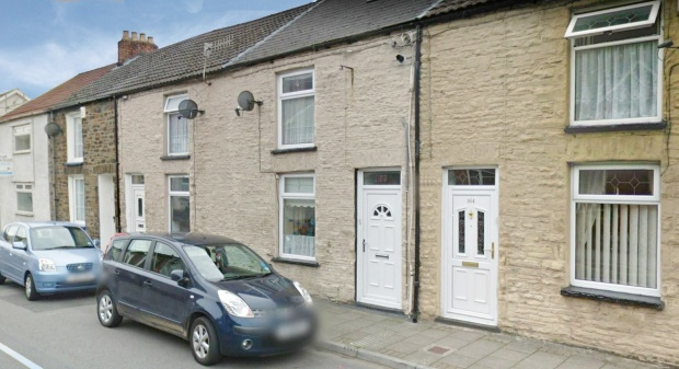 2 Bedrooms Terraced House for sale in Trealaw Road, Tonypandy, Mid Glamorgan, CF40 2NX