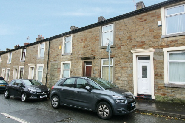 2 Bedrooms Terraced House for sale in Accrington Road, Burnley, Lancashire, BB11 4AU