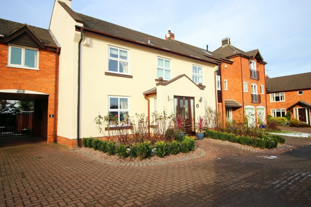 4 Bedrooms Link Detached House for sale in Laburnum Farm, Ness, Cheshire, CH64 8TR